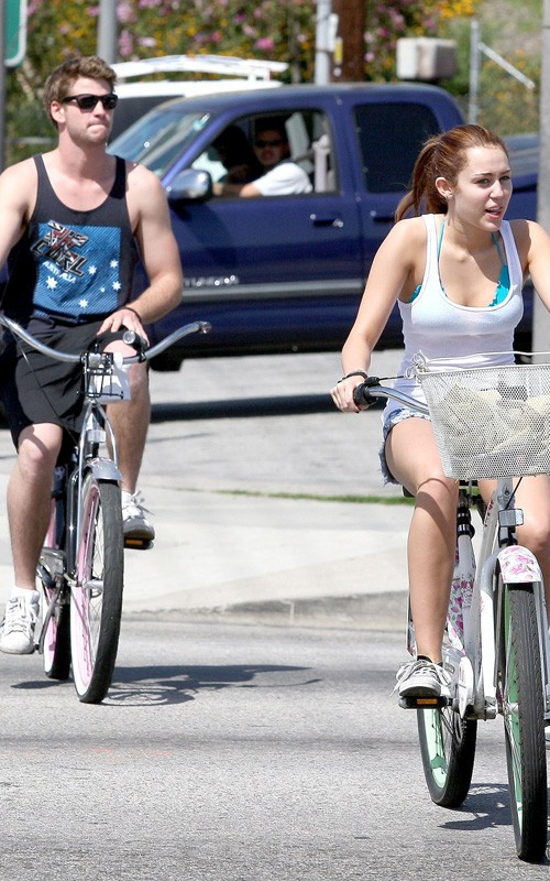 miley-more-032610-3
