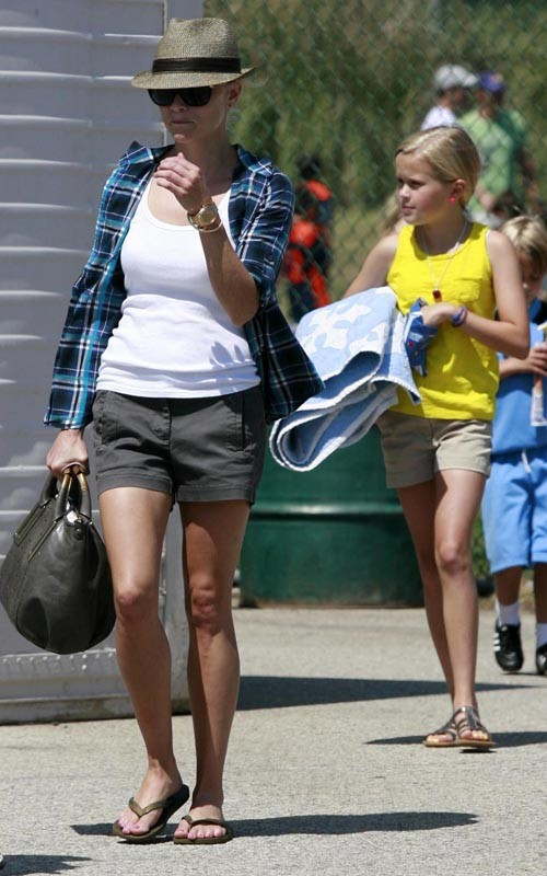 reese-witherspoon-060510-6