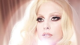 Lady Gaga: Viva Glam και το 2011…