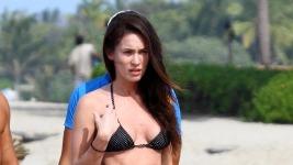 Megan Fox: Με τον άντρα της στη Χαβάι!!