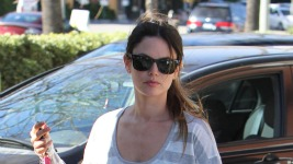 did_rachel_bilson_buy_out_the_entire_storekukhh