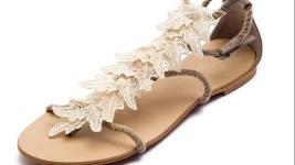 Bershka… παπούτσια.. καλοκαίρι 2011..