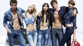 Bershka: Νέα ρούχα φθινόπωρο 2011..