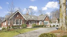 Taylor Swift: Πουλάει το σπίτι της στο Nashville!
