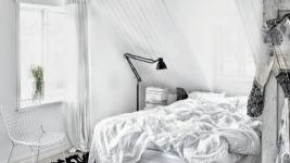 Ένα ασπρόμαυρο σπίτι στη Σουηδία (δες φωτό)