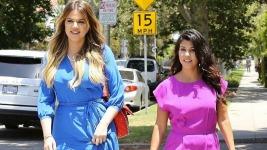 Kourtney Kardashian: Λατρεύουμε το ροζ-μωβ playsuit της μέλλουσας μαμας!