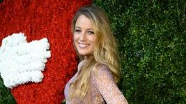 Blake Lively: Την πρώτη της δημόσια εμφάνιση με φουσκωμένη κοιλίτσα έκανε η η ηθοποιός!