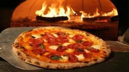 Αυθεντική Ιταλική Πίτσα από τον Άκη Πετρετζίκη!