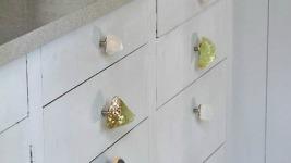 Ανανεώστε τη συρταριέρα σας βάζοντάς την Κοσμήματα! (Βήμα-βήμα πανεύκολη διαδικασία)