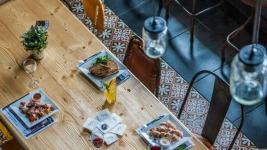 Τα 6 καλύτερα μαγαζιά για να φας οικονομικά στην Αθήνα