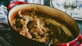 Κότα Χωριάτικη με Χυλοπιτάκι (με 3 βασικά υλικά)
