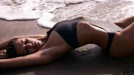 Αυτή είναι η ηθοποιός που θα υποδυθεί τον ρόλο της Pamela Anderson στο Baywatch!