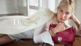Η Jennifer Lawrence διαφημίζει τις νέες τσάντες Dior για την Άνοιξη και το Καλοκαίρι!