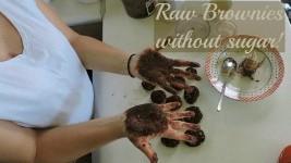 Πεντανόστιμα, νηστίσιμα Brownies χωρίς ζάχαρη από την Emily Vagia!