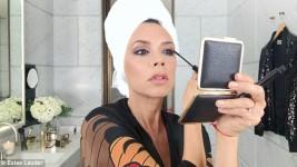Η Victoria Beckham μας Δείχνει πως Κάνει τα Τέλεια Smoky Eyes!